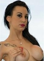 Sara Ray Bodyshot
