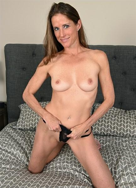 Sofie Marie Bodyshot
