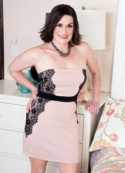 Michele Marks Bodyshot