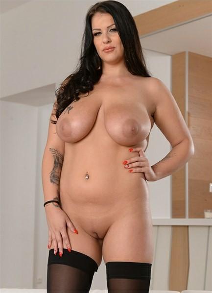 Anissa Jolie Bodyshot