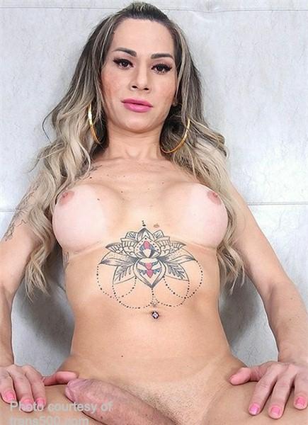 Nathalia De Castro Bodyshot