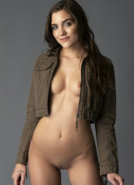 Jessa Blue Bodyshot