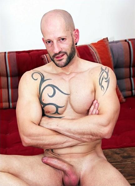 Rainer Bodyshot