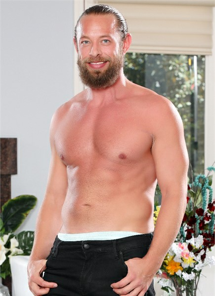 Brad Newman Bodyshot