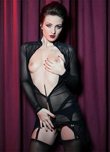 Melody Clark Bodyshot