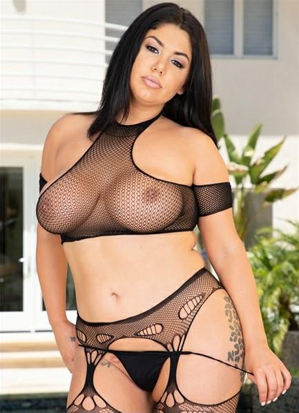 Samantha Staxx Bodyshot