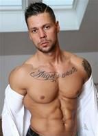 Angelo Godshack Bodyshot