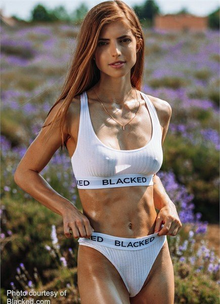 Emelie Crystal Bodyshot