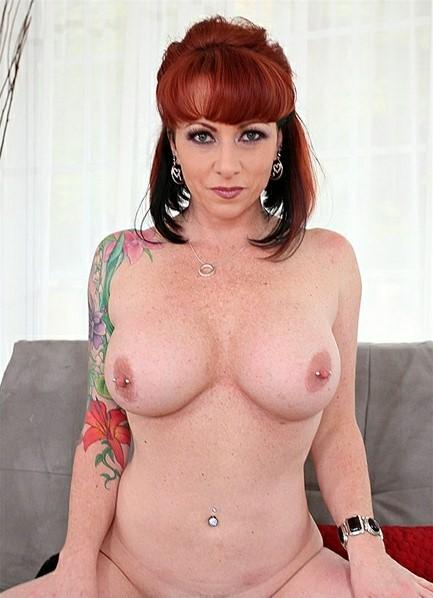 Kylie Ireland Bodyshot