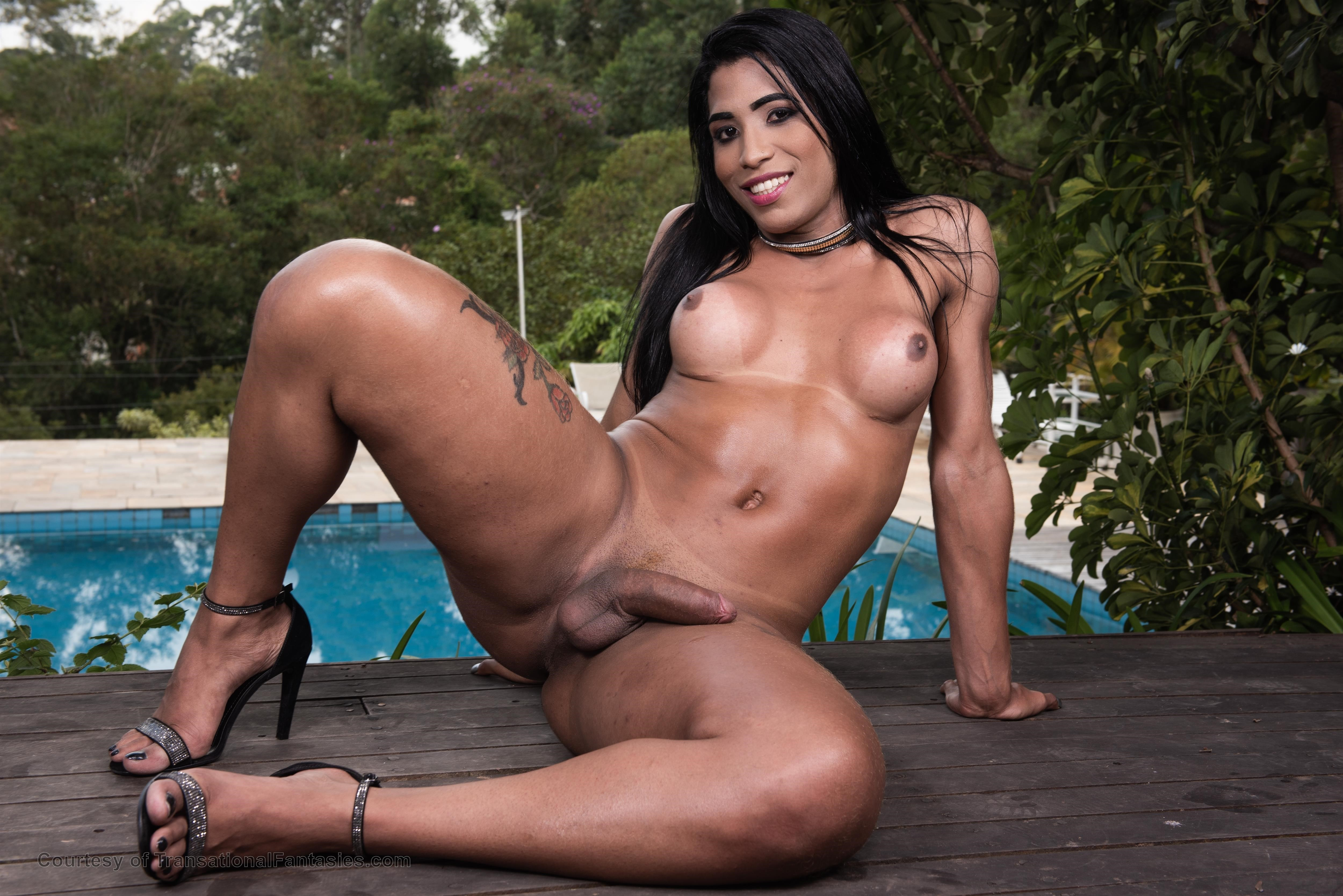 Brazilian Tranny Bianca Alves Ass Fucked By Giant Dick Free Shemale Gallery