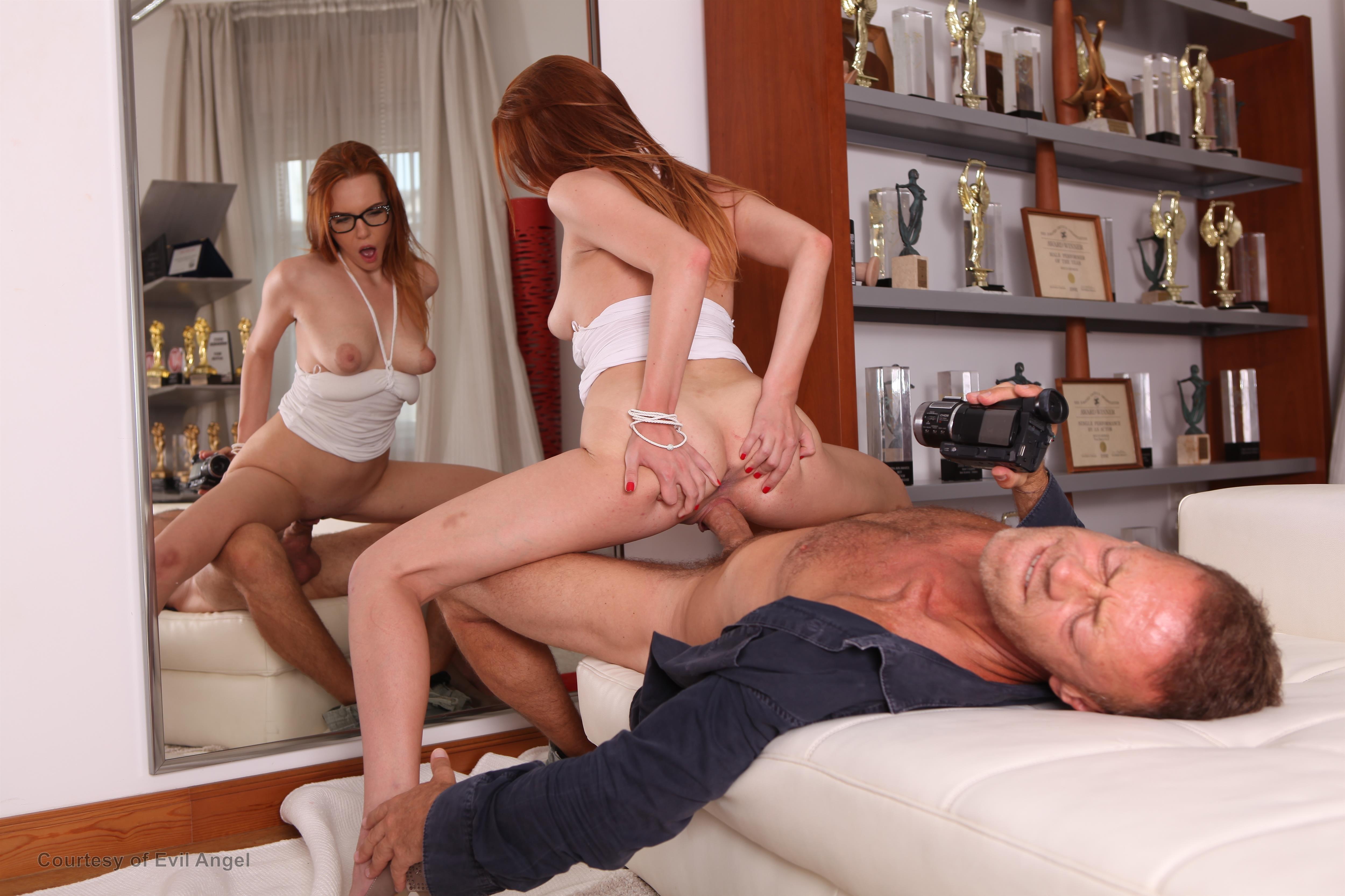 Ванной смотреть порно все кастинги рокко сиффреди