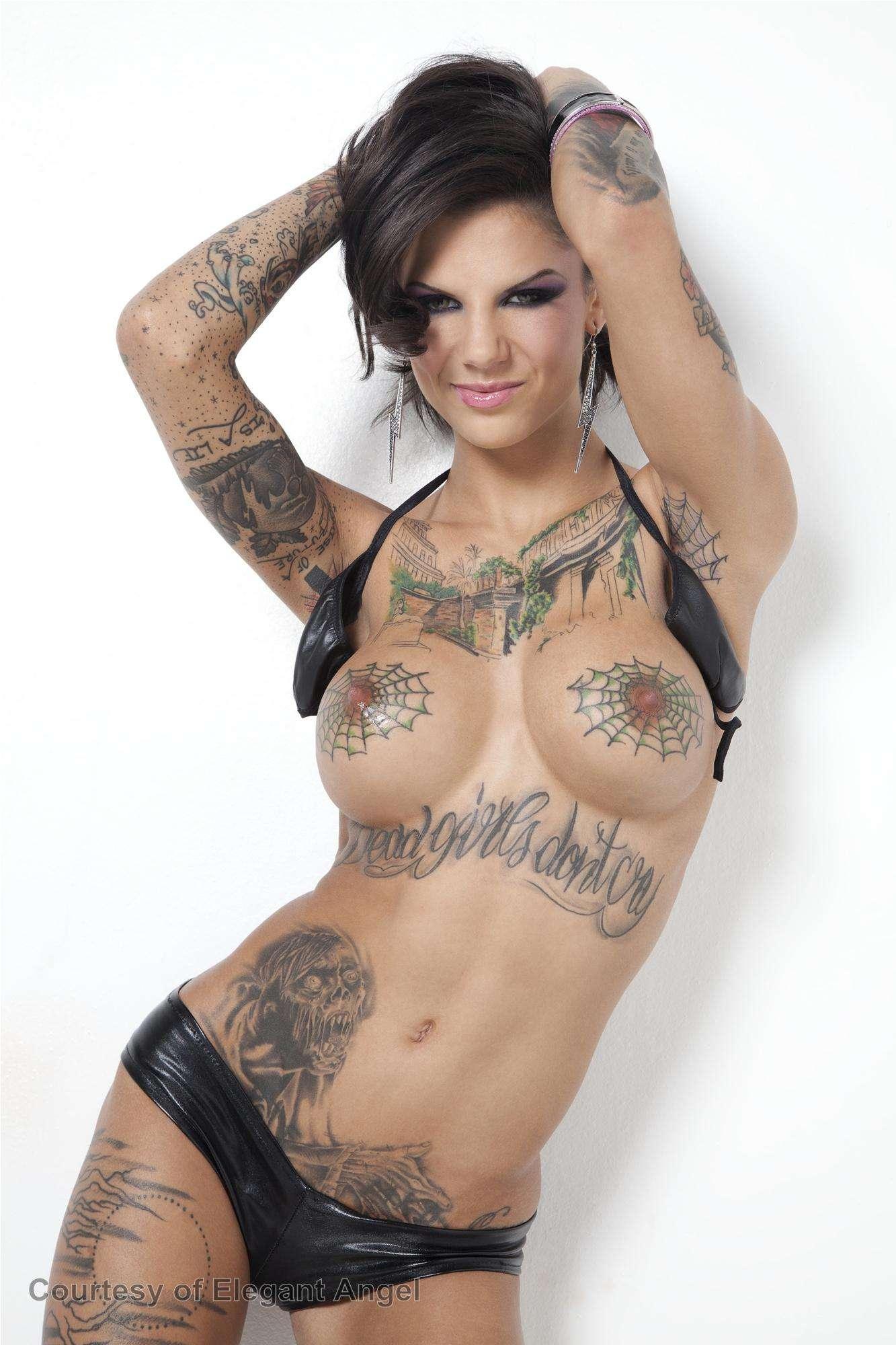 Фото порнозвезд с наколками, огромные страпоны и фистинг порно фото