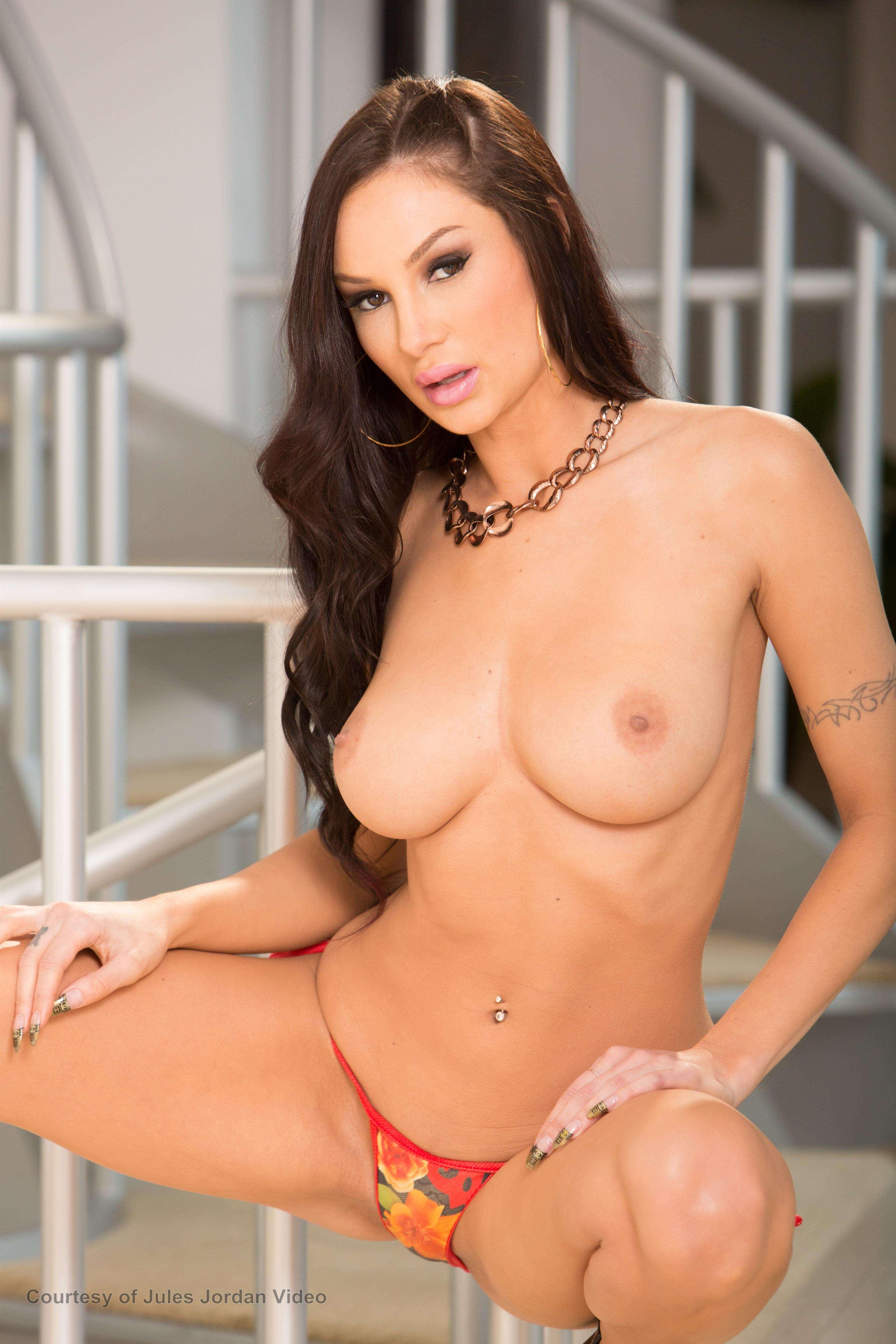 nude Amy gallery reid