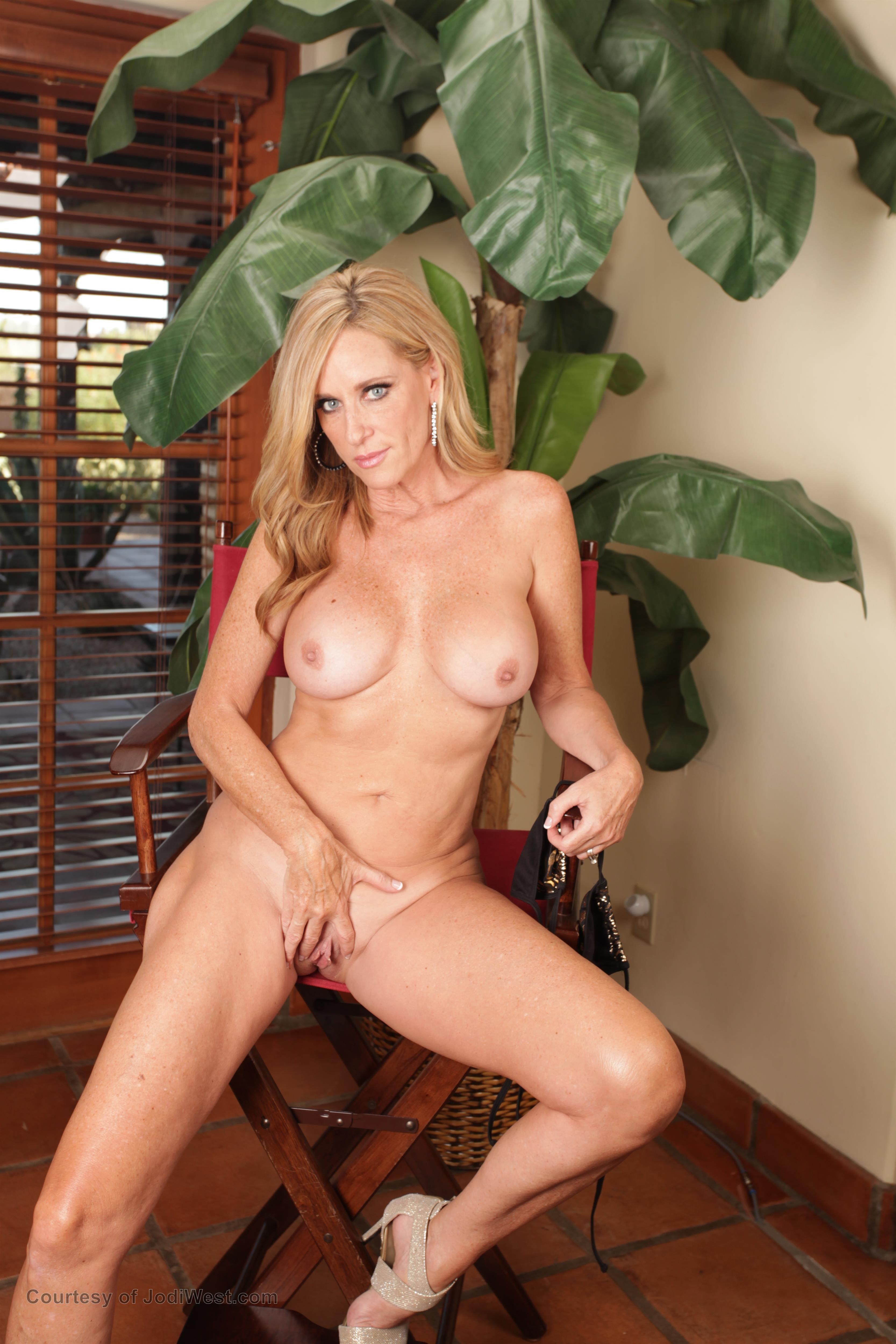 Jodi West Freeones