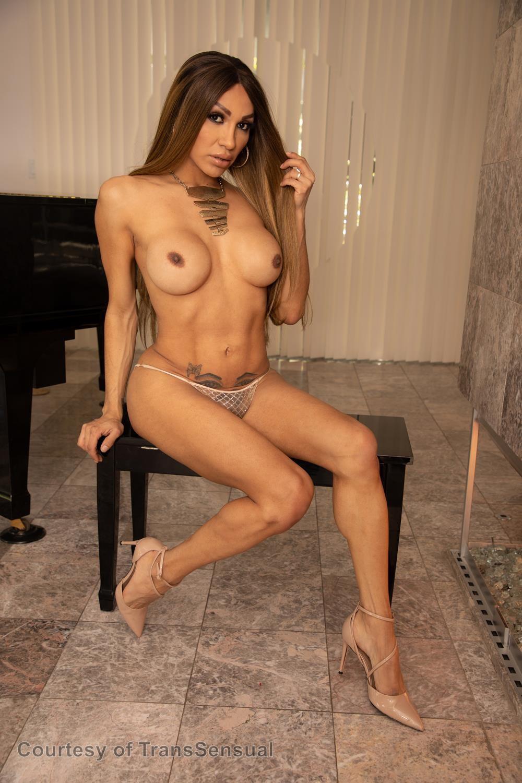Boobs Jessy Dubai Nude Pic