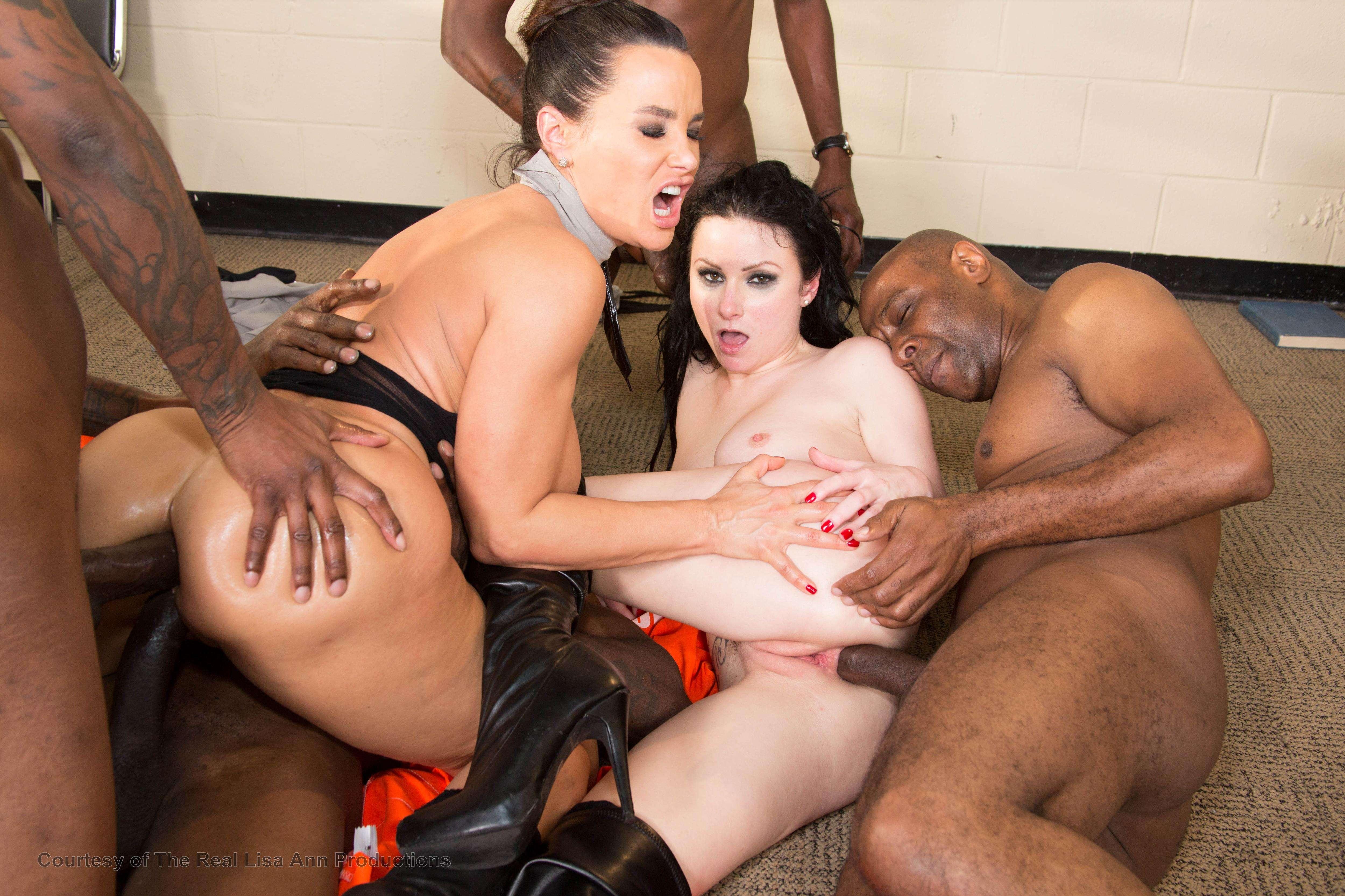Порно групповое с лизой анн 3