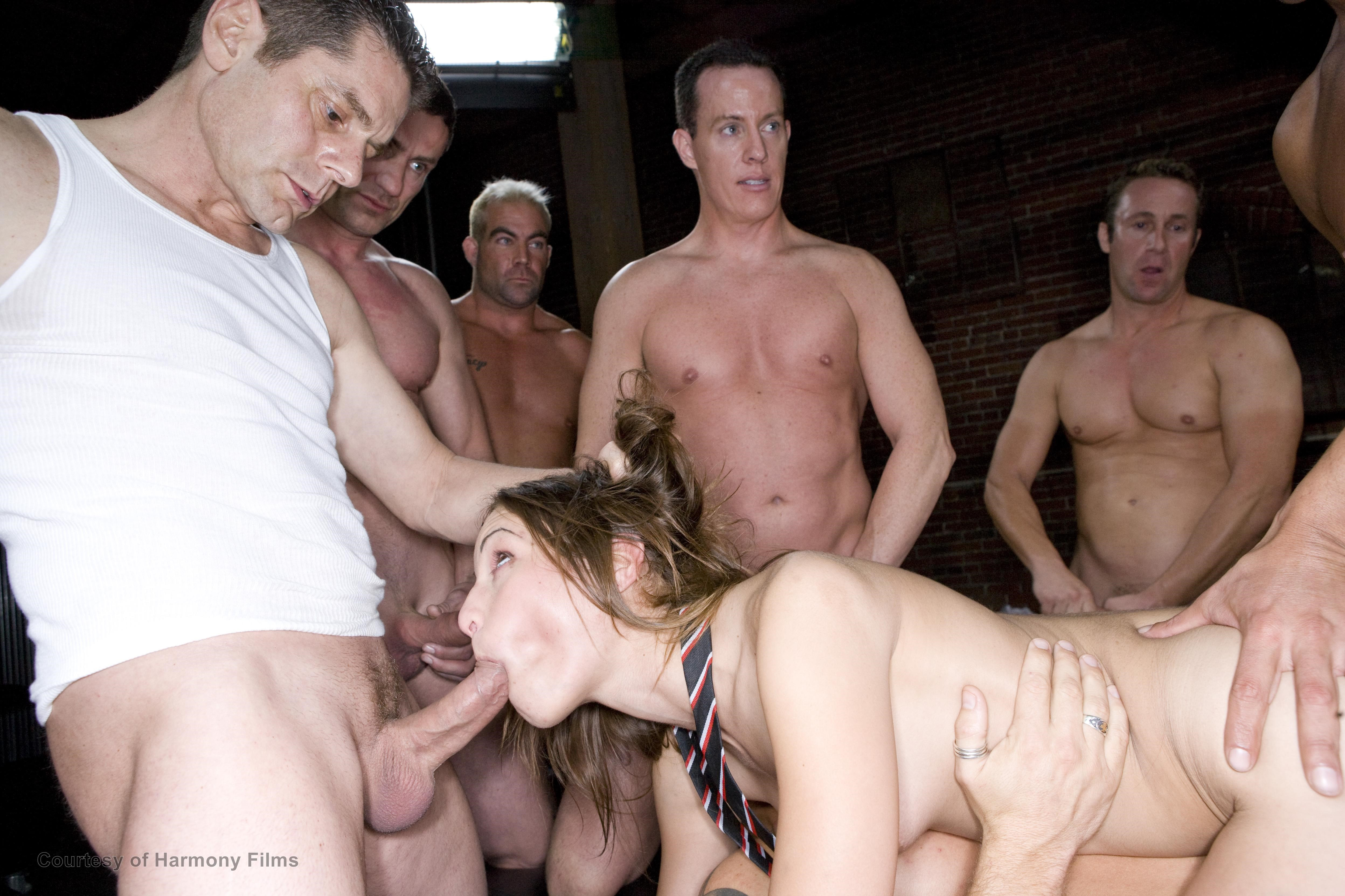 Euro Stunners Are All About Gangbang Hot Clips