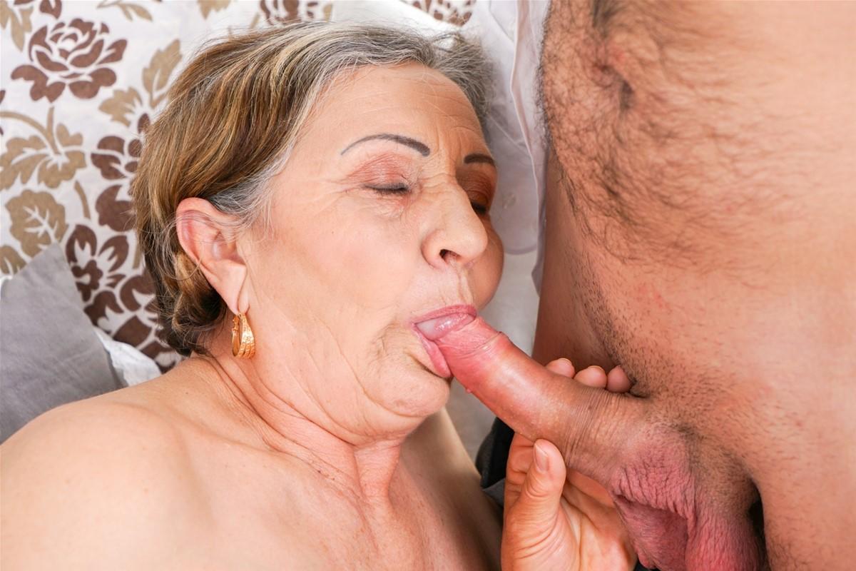 Oral mature porn
