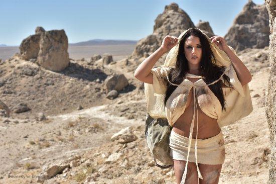 Squirtwoman: Wasteland featuring Kleio Valentien & Angela White