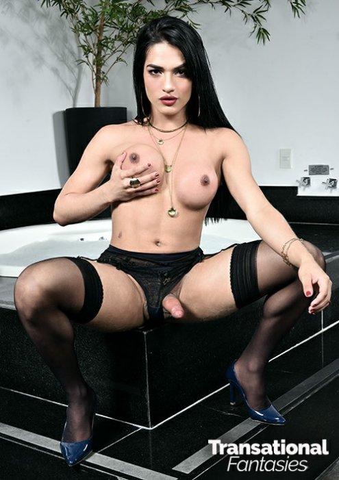 Caroline Martins 2