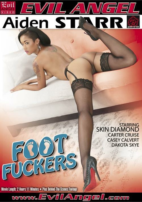 Footjob from Skin Diamond in Her Pantyhose from Foot Fuckers   Evil ...