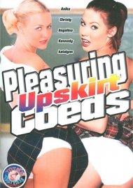 Pleasuring Upskirt Coeds