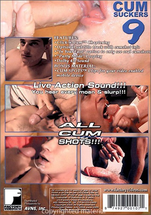 Fat homosexual boy gives oral in bathtub