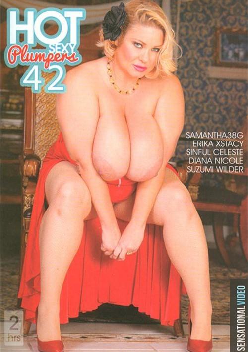 Beautiful girls naked boobs