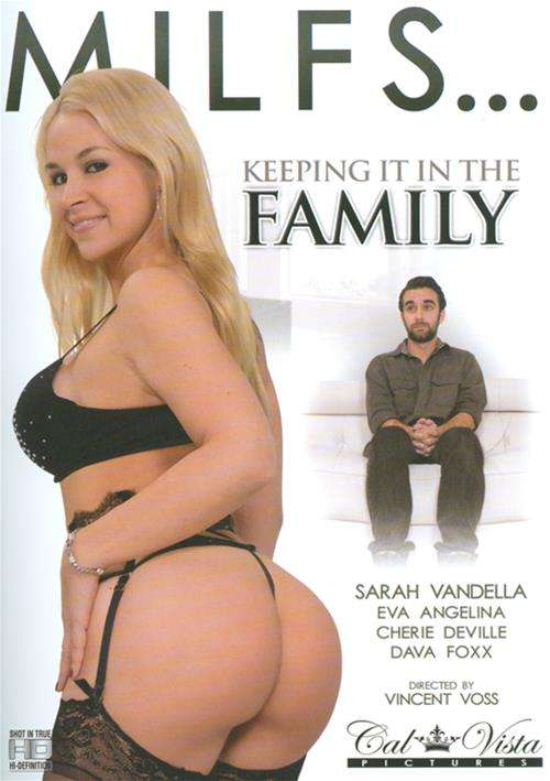 MILFS   Keeping It In The Family (2015)